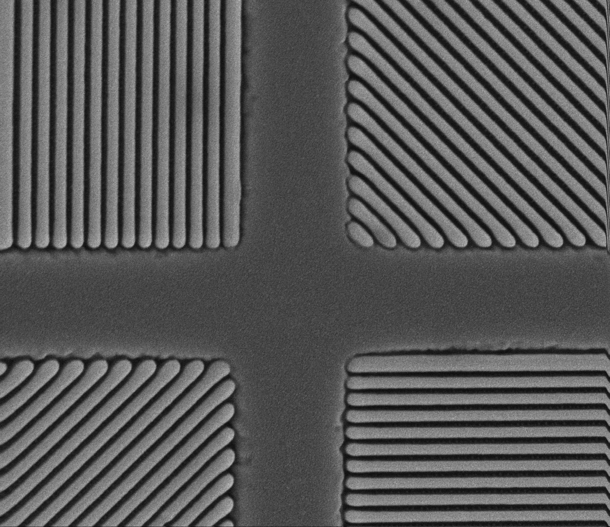 SEM image of a 4-state pixelated polarizer made with NIL